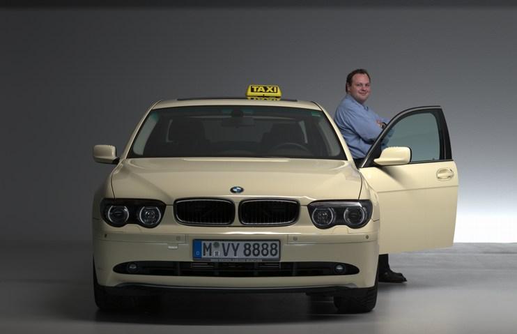 willkommen bei taxi kurrer ihrem chauffeur service in m nchen. Black Bedroom Furniture Sets. Home Design Ideas